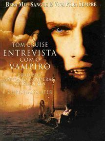 São Francisco, anos 1990. Um jornalista entrevista um jovem que afirma ser vampiro, narrando suas experiências dos últimos 200 anos. Em flash-back, conhecemos Louis de Pointe du Lac (Brad Pitt), um homem que perdeu a mulher, morta durante o parto, e a vontade de viver. Com a ajuda de uma criatura da noite, Lestat de Lioncourt (Tom Cruise), ele se torna um vampiro e precisa aprender uma nova forma de vida.
