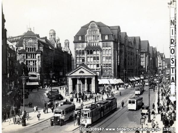 Auch vor dem Krieg war die Mönckebergstraße eine belebte Einkaufsstraße (20095 Hamburg-Altstadt)