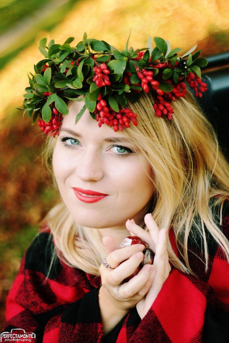 #autumn #rock #blonde #blondegirl #blondynka #jesień #jesienne zdjęcia Jesień uśmiechnięta dziewczyna #inspiracja inspire me czerwone usta make up #ootd #red blue eyes www.vamppiv.pl