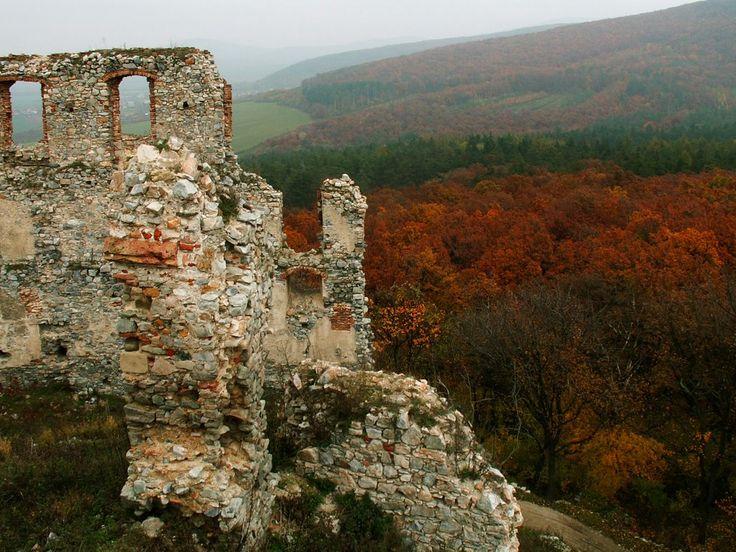 zrúcanina hradu OPONICE