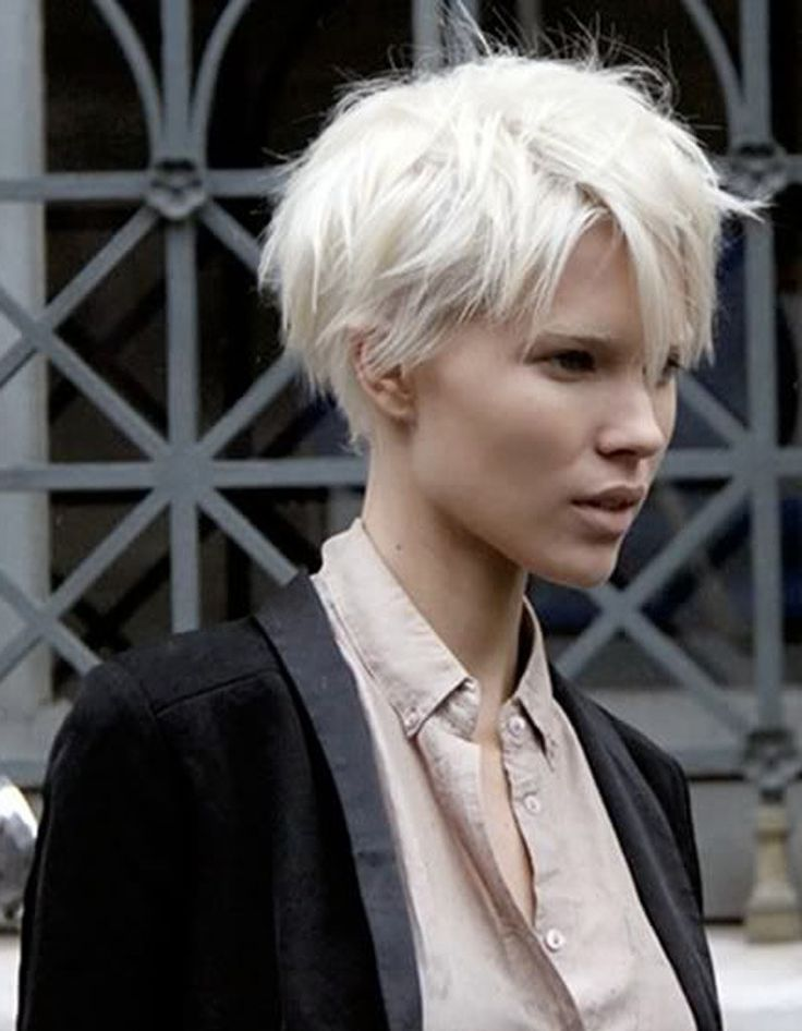 Les 25 meilleures id es concernant coup courtes blonde de platine sur pinterest blond platine - Blond platine femme ...