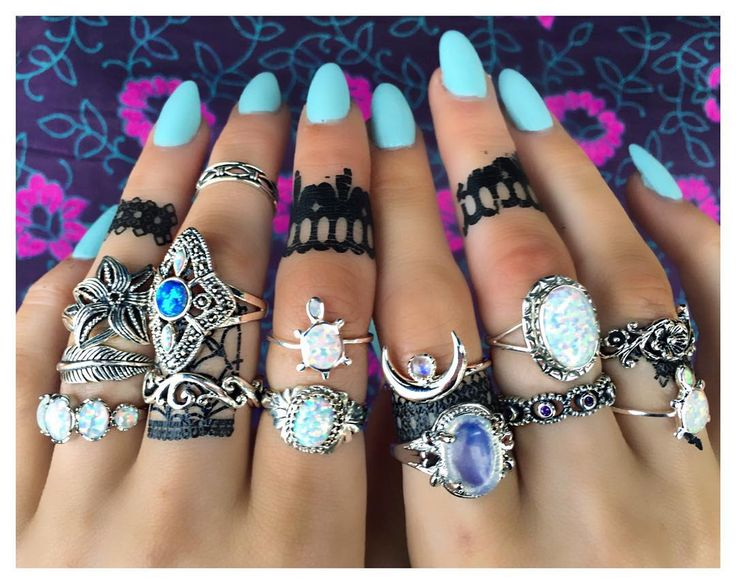 """""""Repost any one of our photos with the hashtag #bohomoonflash and @bohomoon to enter our flash giveaway and win a ring of your choice!! Ends Sunday.…"""""""