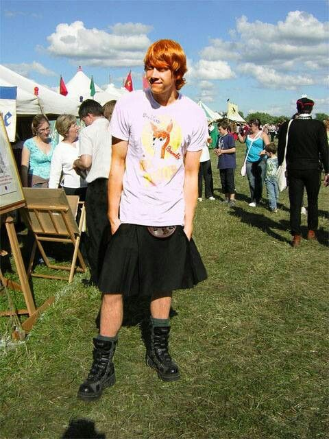Rupert Grint in a kilt. Looking good Rupert.