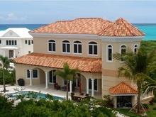 Villa Great Exuma Bahamas Heerlijk ontspannen naar de Bahamas ! Klassiek ontworpen prachtige villa van 390 m2 met spectaculair zicht op saffierblauwe zee. 3 slaapkamers en 3 badkamers voor max. 6 personen. Privé (te verwarmen) zwembad met jacuzzi en groot overdekte veranda met travertin tegelvloer rondom. Met een (huur)boot omliggende eilandjes ontdekken, 18-holes Golfcourse en Spa vlakbij.  http://www.xclusivevillas.com/bestemmingen/villas-caribische-eilanden
