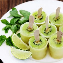 Kiwi Mojito Popsicles -- with or without rum, these fresh little pops are delightful!