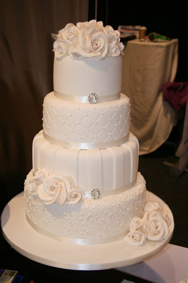 4t Stripes Piping Copyrighthoec 12 Layers Of Homemade Cake Inside Www Facebook 4 Tier Wedding