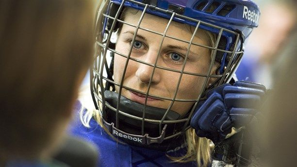Jennie Asserholt is a forward and team Captain in the Swedish national ice hockey team. She has participated in three OS and eight World Championships. 2006 she achieved the silver medal at the OS in Turin.