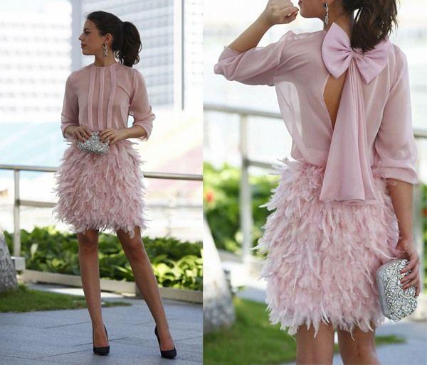 15 OUTFIT PER UN MATRIMONIO INVERNALE _ abito rosa con piume | ABC Wedding