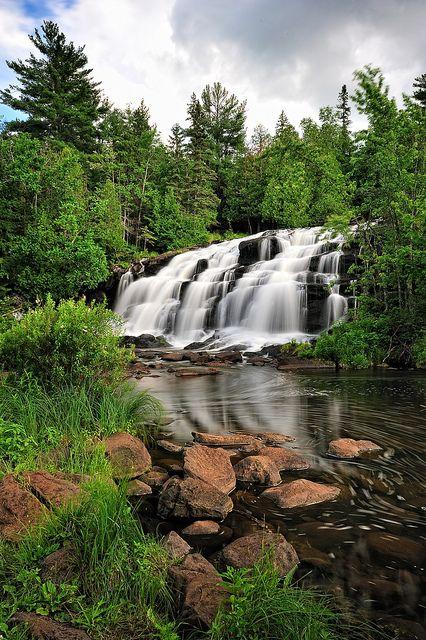 Bond Falls, middle branch of the Ontonagon River by Michigan Nut, via Flickr; Michigan Upper Peninsula