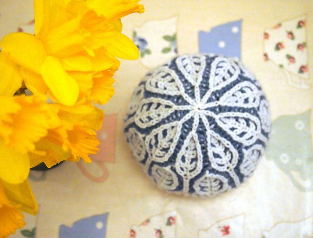 Ravelry: foamofdays' Frosty leaves hat brioche knitting