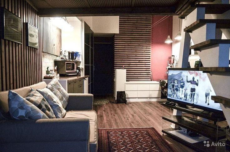 Продается уютная комната с эркером и неповторимым дизайном,сделан второй спальный этаж. Мебель вся встроенная, остается покупателю. На окнах стеклопакеты. До метро 5 минут пешком. Количество проживающих в квартире 8 человек. Отказы собраны.Работаю с аге...
