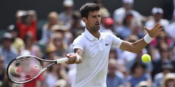 Touché au bras droit, Novak Djokovic a été contraint à l'abandon lors de son quart de finale à Wimbledon. Opposé à Tomas Berdych (N.15), le Serbe était mené 7-6, 2-0 lorsqu'il a préféré interrompre le match après 1h03 de jeu. C'est une cruelle désillusion pour lui, qui pouvait ambitionner de redevenir N.1 mondial en cas de victoire dans le tournoi, suite à l'élimination du tenant du titre et du patron du circuit mondial, Andy Murray, battu par Sam Querrey un peu plus tôt.