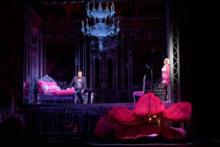 Manon Lescaut, Royal Opera House. Director Jonathan Kent, Designer Paul Brown. https://www.schmopera.com/in-review-manon-lescaut-at-roh/