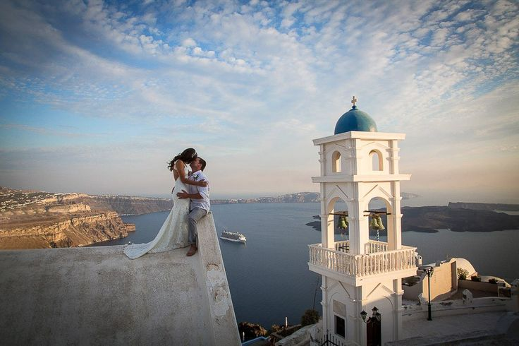 get photographed at santorini