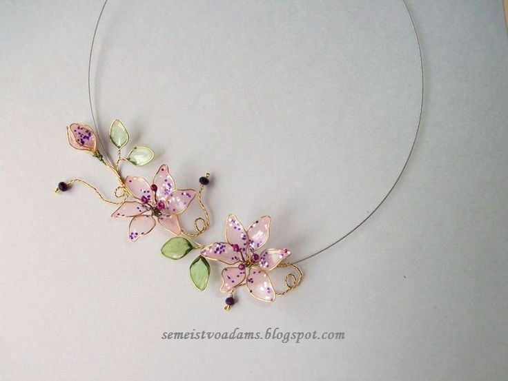 Wire lilies necklace with nail polish by semeistvoadams.blogspot.com