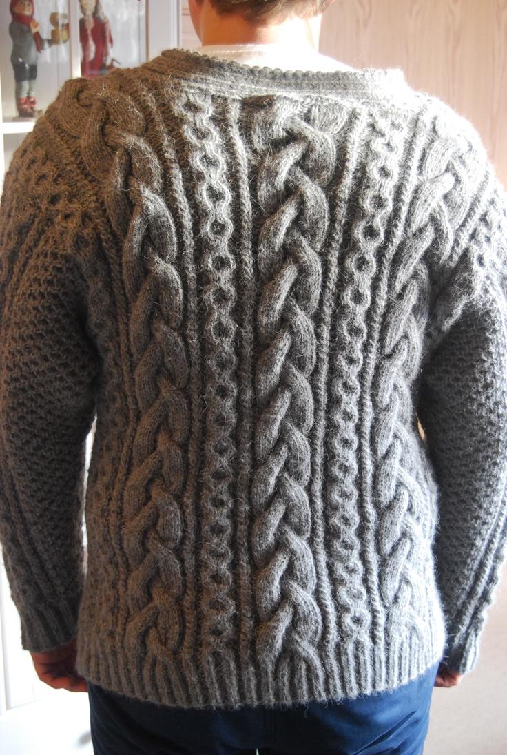 Og ryggen på genseren..
