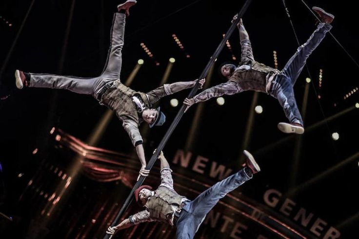 An amazing acrobatic trio on Chinese pole From Germany #chinesepole #acrobatictrio #poleact #Germany