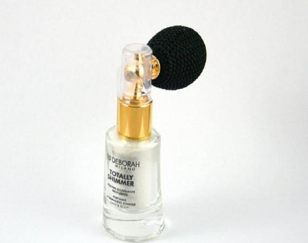 Pudra Deborah Iluminatoare Parfumata (Shimmer) - http://www.carlisa.ro/202~Machiaj-pentru-fata/1396-Pudra-Deborah--Iluminatoare-Parfumata--Shimmer-.html