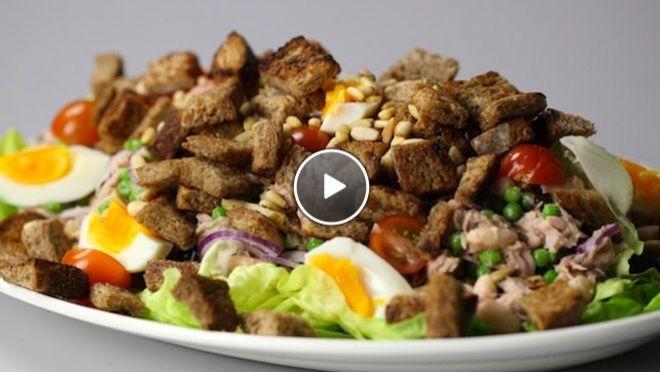 Maaltijdsalade met zelfgemaakte croutons - recept | 24Kitchen