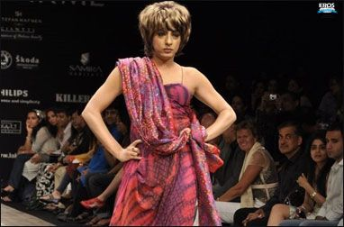 View - Rohit Verma walks the ramp At The Lakme Fashion Week 2010