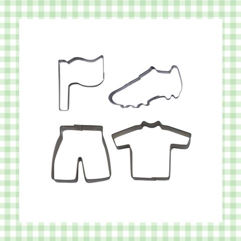Koekvormpjes met voetbalfiguren. Om met Vaderdag de allerleukste koekjes te bakken voor een vader die van voetbal houdt. http://dekinderkookshop.nl/product/koekjesvorm-voetbal-set/