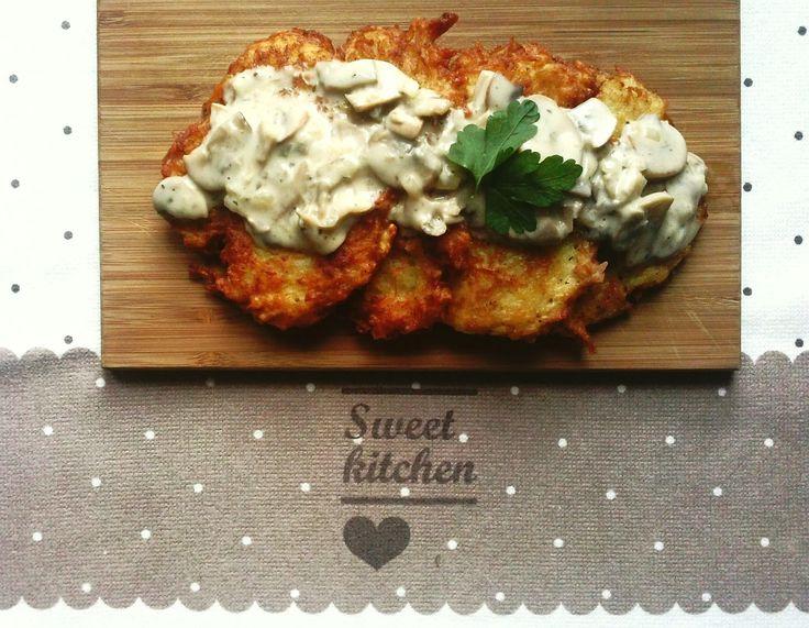 Pampuchy - wszystko o gotowaniu: Placki ziemniaczane z sosem pieczarkowym