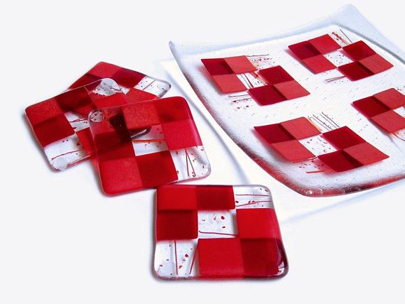 Red Fused Glass Plate Fused Glass Platter and Coasters Set Christmas Art Glass Plate Serving Dish Handmade