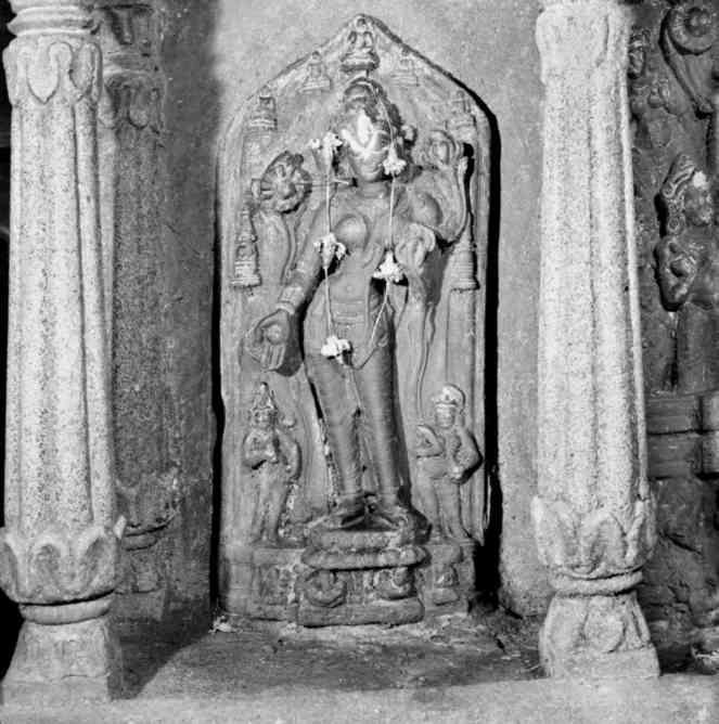 Tara in worship, Bargaon