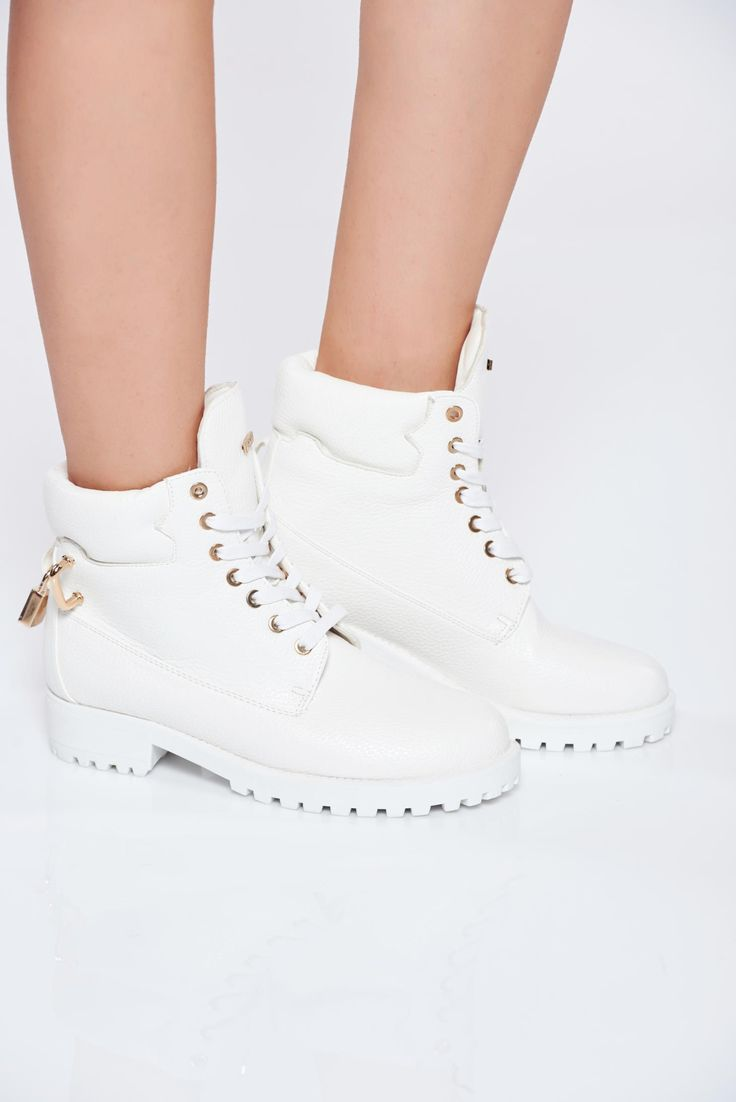 White casual ecological leather tramper with lace and metal accessories, metal accessories, low heel, with lace, insole material: ecological leather, upper material: ecological leather