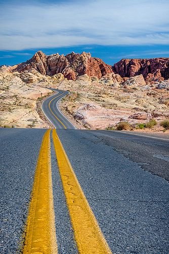 Desert Road, Valley of Fire State Park. Nevada, USA