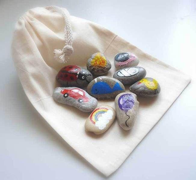 """""""Erzähl' mir eine Geschichte""""     Mit diesen neun liebevoll handbemalten Erzählsteinen, die für Dich aus unserem Steinschatz zusammengestellt werde..."""