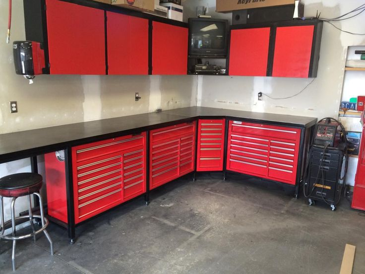 Steevo-inspired Harbor Freight toolbox workbench