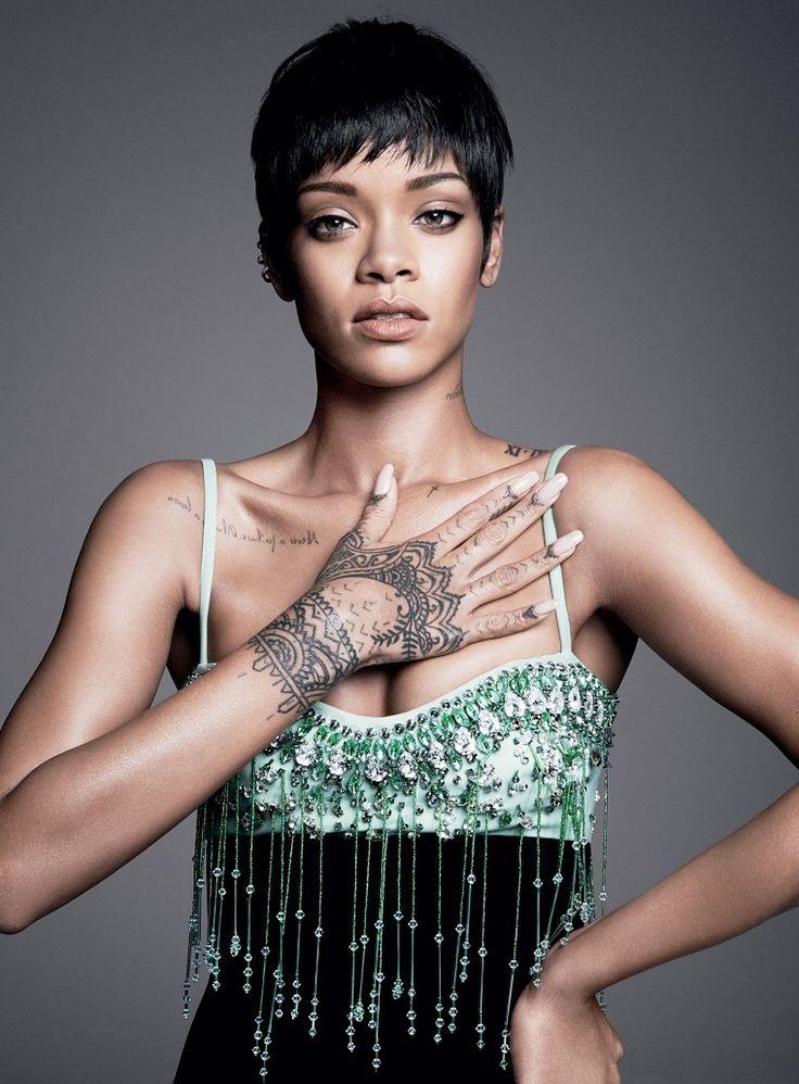 Hoy te mostramos tatuajes de famosos de los cuales te puedes inspirar por si todavia no has decidido que quieres dibujar en tu piel.