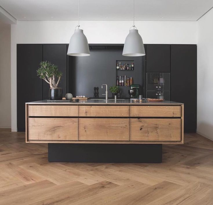 2,800 vind-ik-leuks, 36 reacties - Design Interiors Architecture (@thelocalproject) op Instagram: 'Grand Pattern Herringbone Floorboards by @dinesen & a bespoke kitchen made of Oak from…'