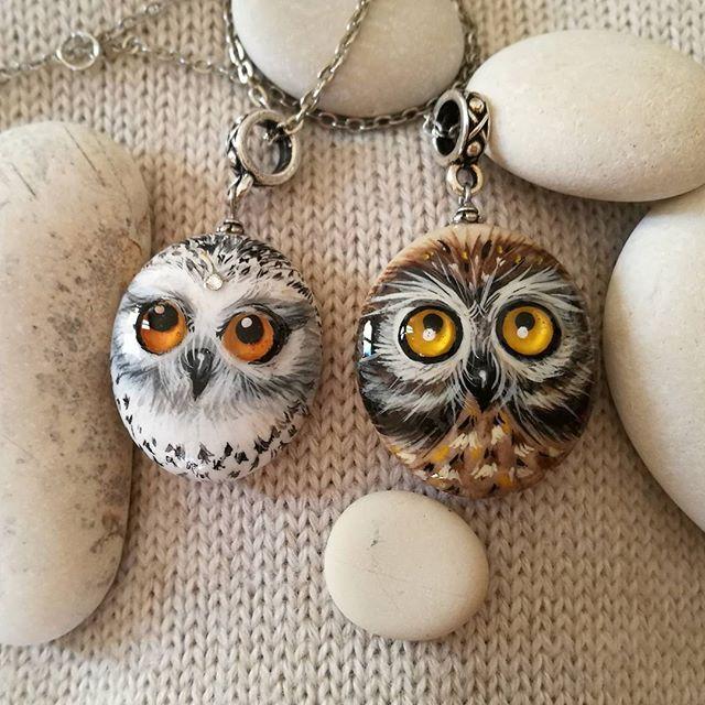 New owles pendants!  #owl #owles #pendants #pendente #gufoportafortuna #gufo #civetta #civettadellenevi #rockpainting #rockart #pebblependant #pebblepainting #stoneart #handpaint #handmade #handmadegifts #gift #gifts #aledeco #idea