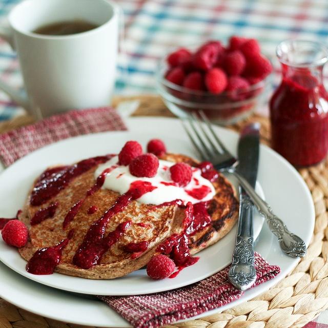 Raspberry Oatmeal Protein Pancakes | Food inspiration | Pinterest