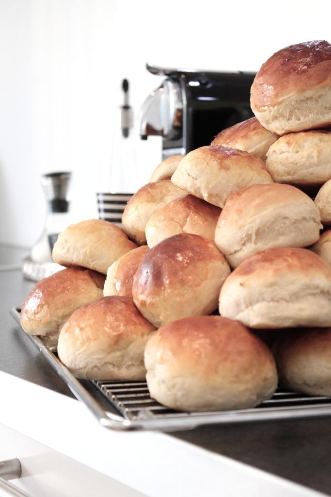 tonje boganes: verdens beste bolledeig: En Fin, En Riktig, Homemade Dinners, Dinners Rolls, Tonj Bogan, Breads Muffins, Yummy Rolls, Favorite Recipes, Donuts Dough
