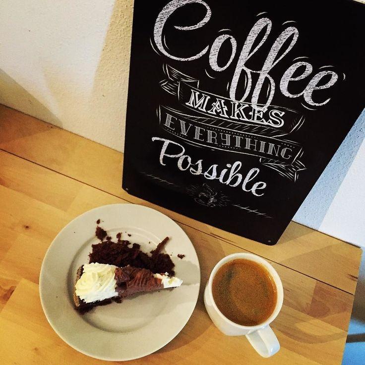 #coffee #break #coffe #coffeetime #coffeebreak #cake #coffeegram #coffeelover #coffeeporn #cakestagram