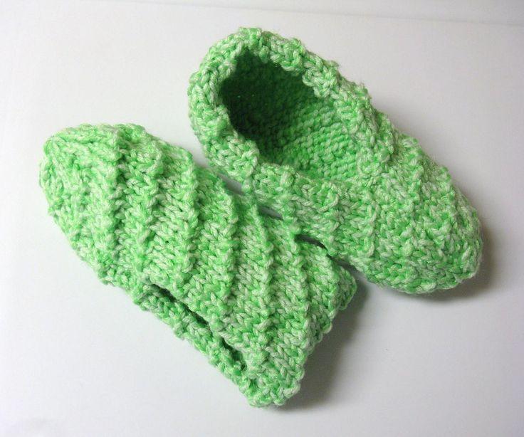 Voici un modèle que j'ai tricoté avec 2 laines en même temps pour plus d'épaisseur et de confort. J'ai fait la taille femme mais j'ai mis les indications pour les tailles En…