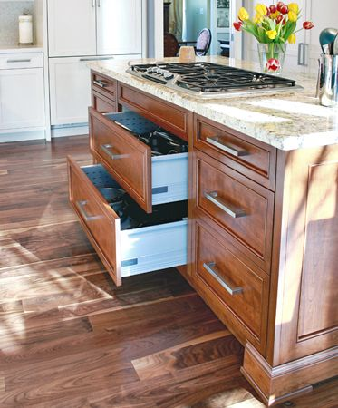 kitchen island with drawers 1000 images about kitchens islands on 5210