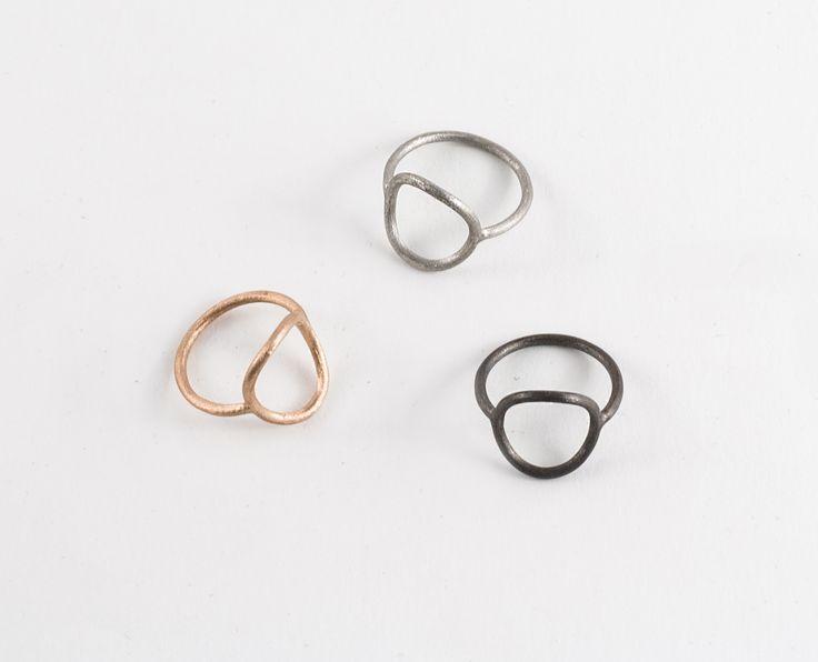 Round ring by Zsófia Magyary Zosha  http://www.magma.hu/muveszek.php?id=82