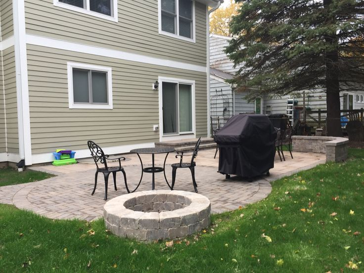 This Belgard Paver Patio With Fire Pit Was Custom Designed And Built In  Lake Bluff,