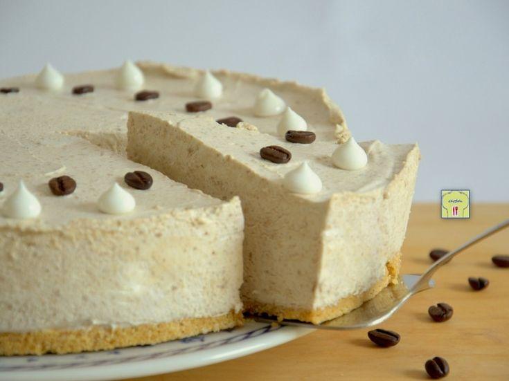 Torta fredda al caffe': una ricetta facile per un delizioso semifreddo, perfetto per rinfrescarsi nelle giornate estive!