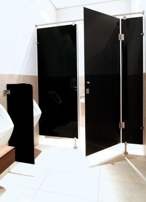 Heiler Glas-Trennwandsysteme: rahmenlose WC-Trennwände, Urinal-Trennwände | Alois Heiler - heinze.de