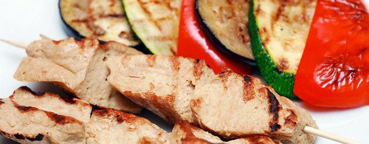 Куриные шашлычки на шпажках: идеально для детского праздника (готовим на сковородке и в духовке)