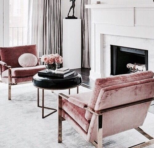 Pink accent chairs perfect for this all white living room | Décor Aid