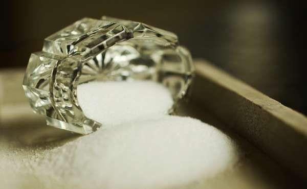 Faites briller votre vaisselle en cristal avec du vinaigre blanc ou du sel