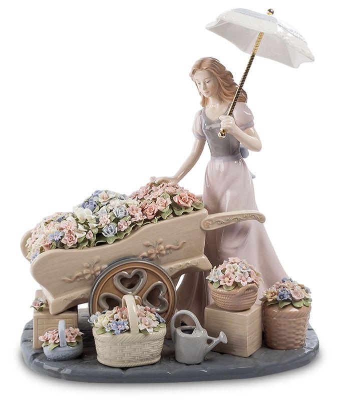 "Композиция из фарфора ""Девушка с цветами"" CMS-20/20 (Pavone)   Бренд: Pavone (Италия);      Страна производства: Китай;   Материал: фарфор;   Длина: 28,5 см;   Ширина: 18,5 см;   Высота: 32 см;   Вес: 3,5 кг;      #фарфор #девушка #цветы"