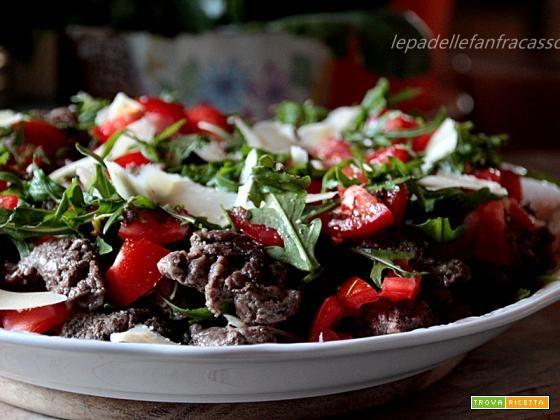 STRACCETTI DI MANZO CON RUCOLA POMODORINI E PARMIGIANO  #ricette #food #recipes