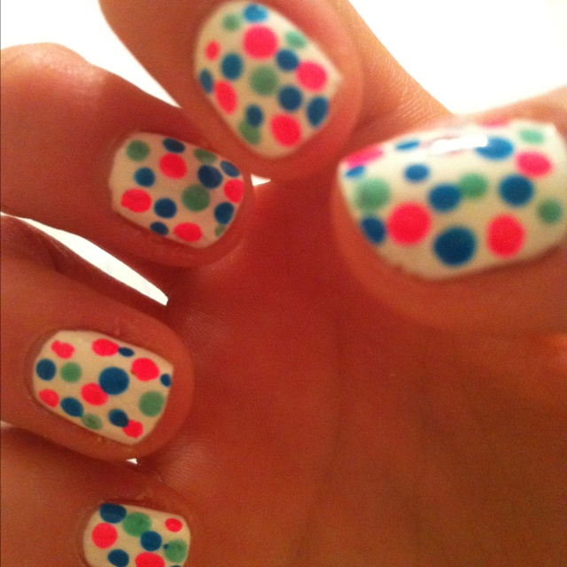Use the tip of a mechanical pencil (without the led sticking out) to make perfect polka dots!